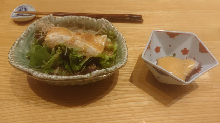 割烹しゅんのサラダと小鉢