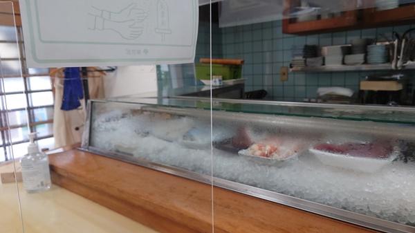 大寿司のカウンター
